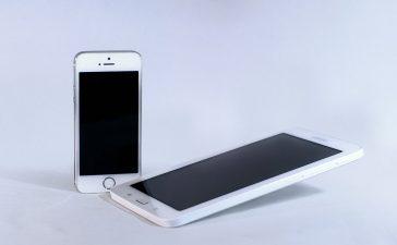 """Samsung zou de ronde hoeken van zijn toestel """"gestolen"""" hebben van Apple"""